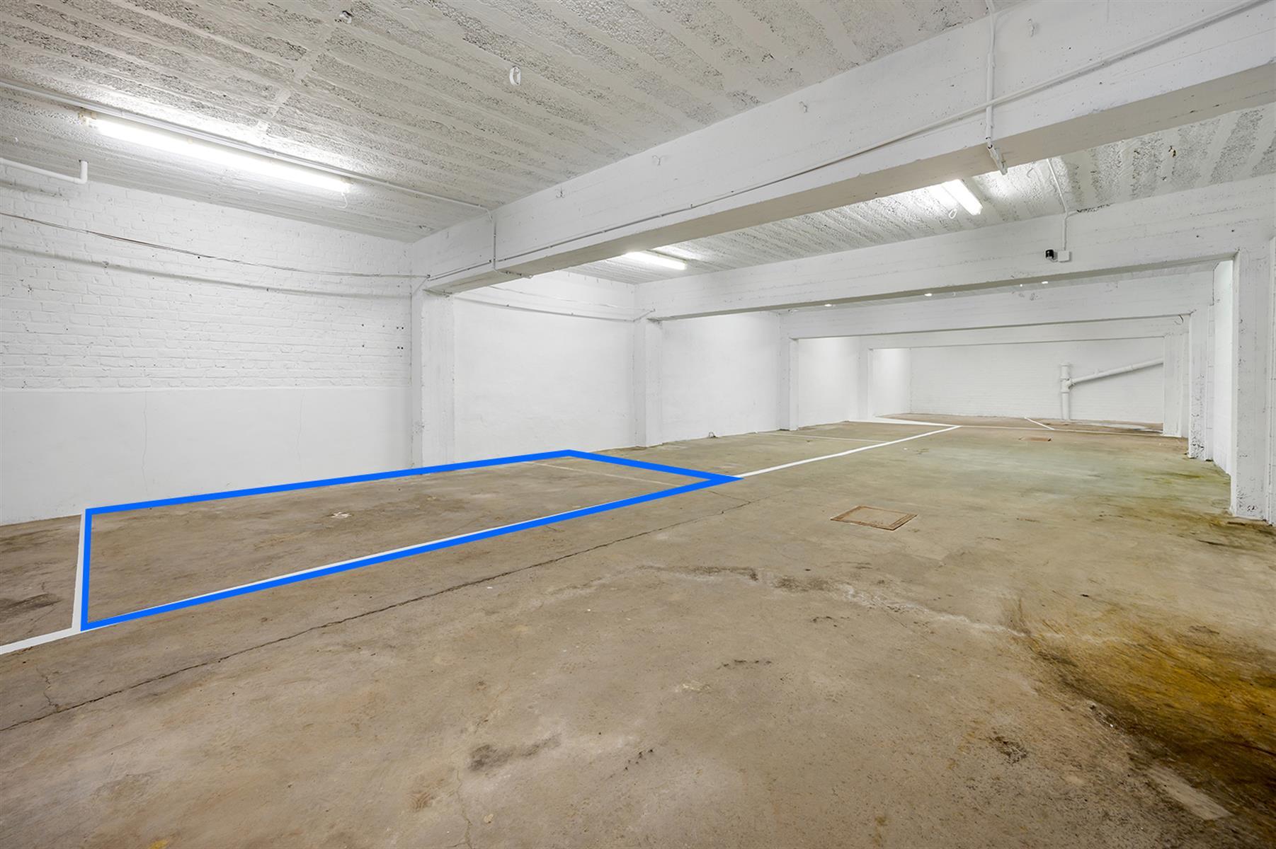 Parking intérieur - Waremme - #4280201-1
