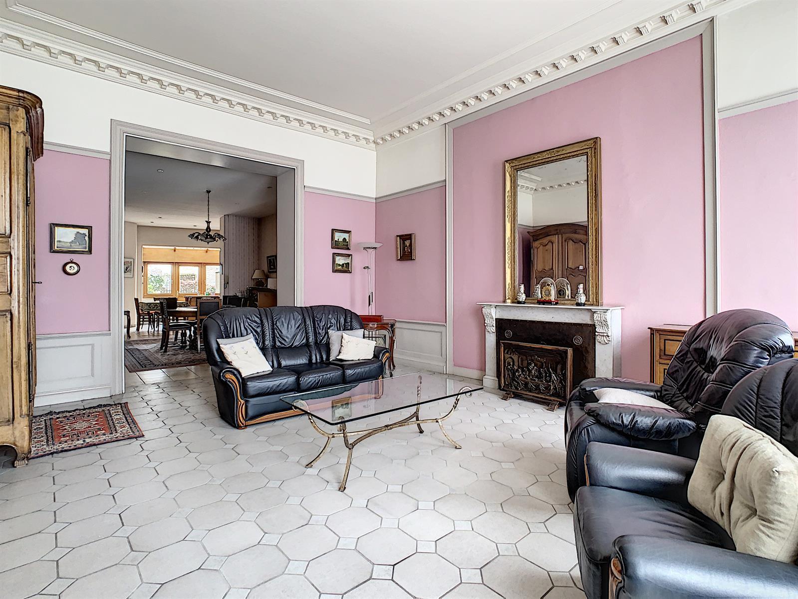 Spacieuse maison bourgeoise
