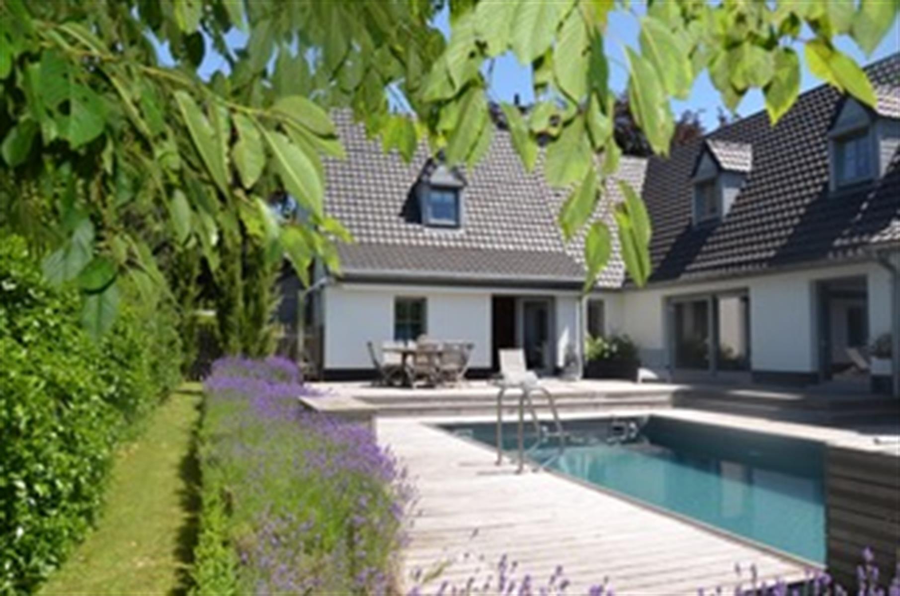 Imposante Villa au Bois Fichaux
