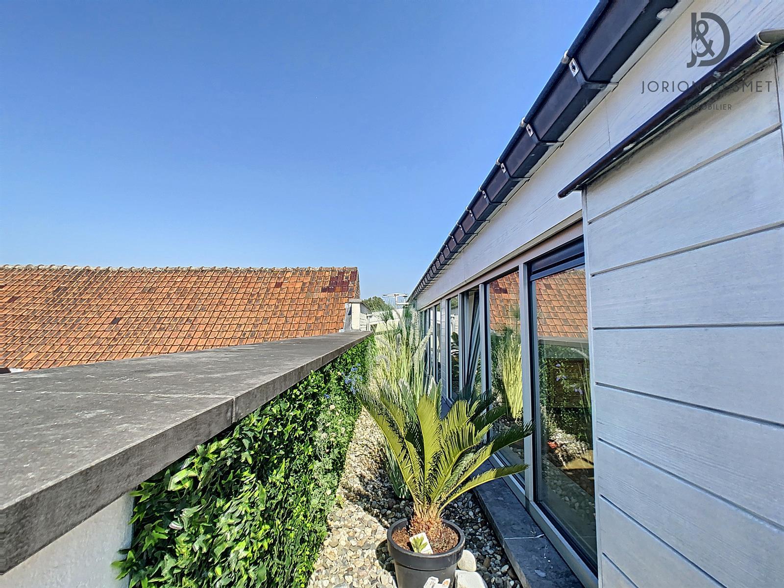 Penthouse avec 3 terrasses!