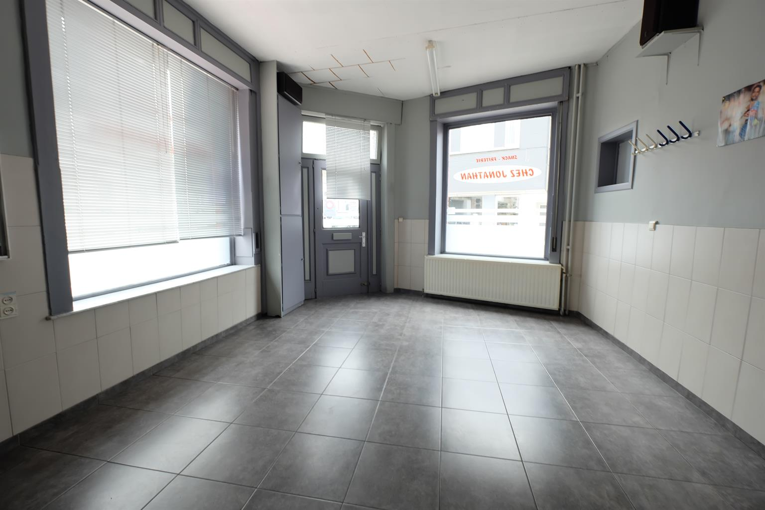 Immeuble mixte - Braine-le-Comte - #4169850-1