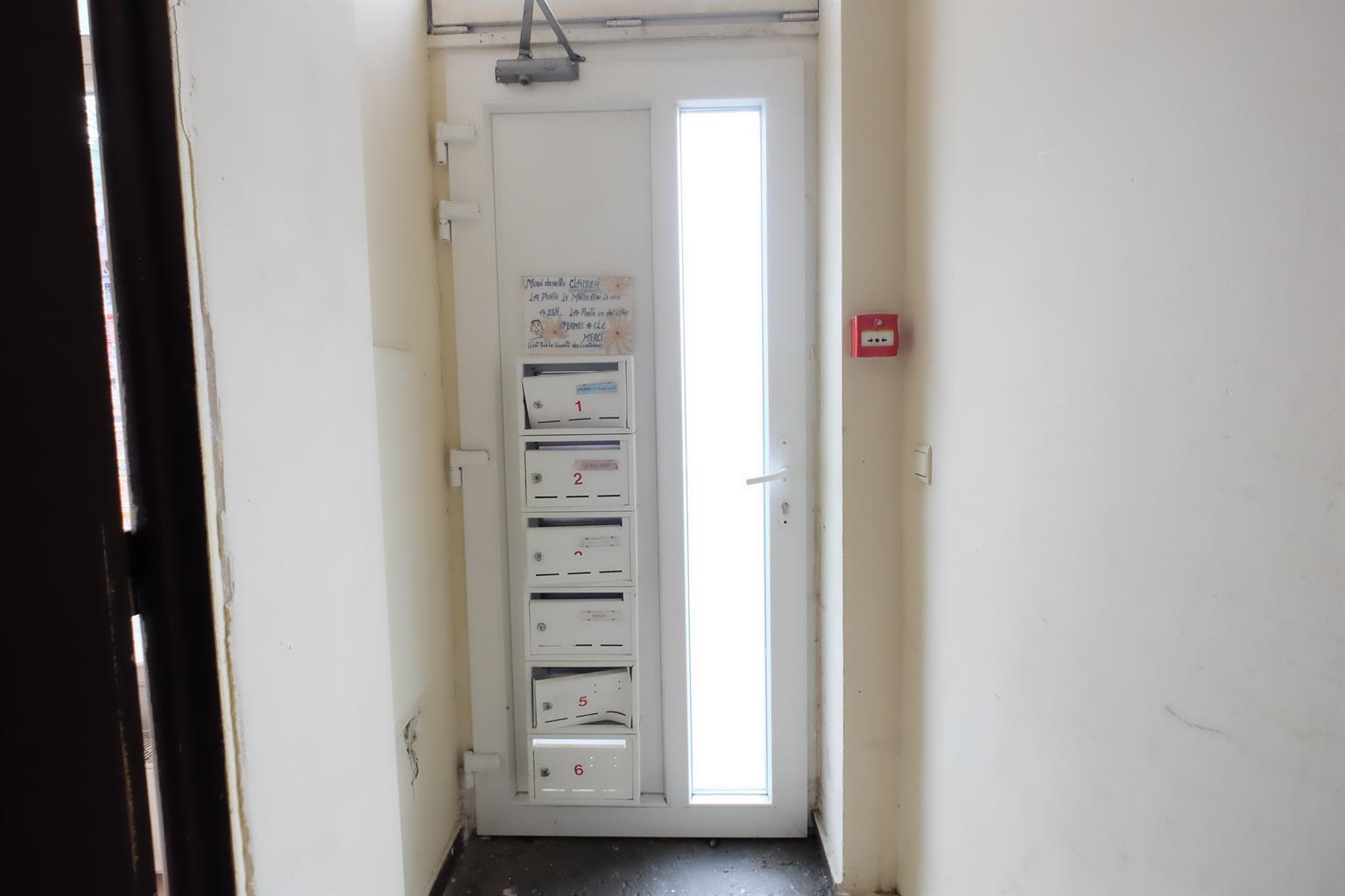 Immeuble à appartements - Tubize - #4278975-2