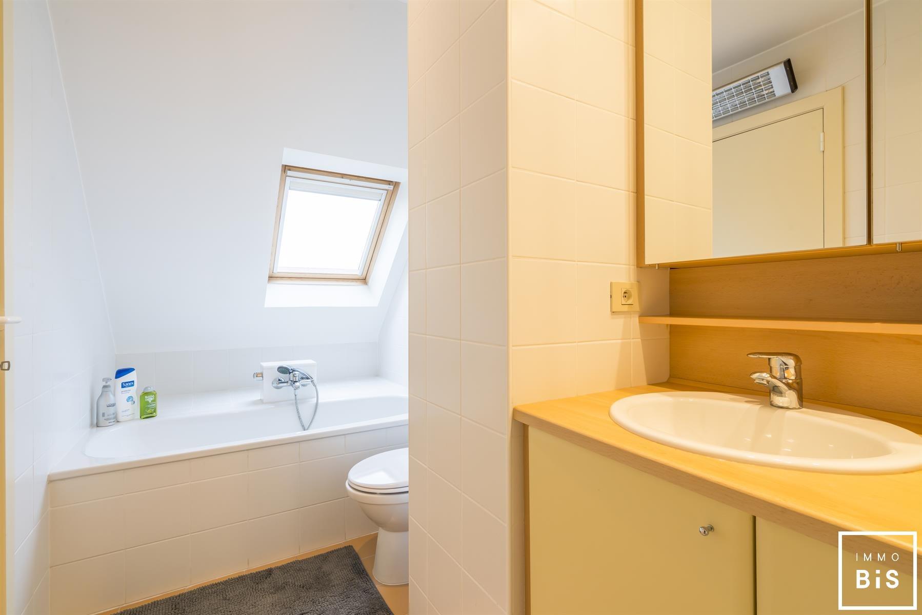 Mooie bel-étage met 4 slaapkamers en een uniek zicht 12