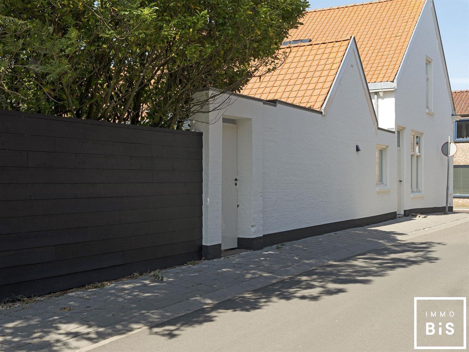 Recentelijk gerenoveerde woning gelegen in Cadzand 6