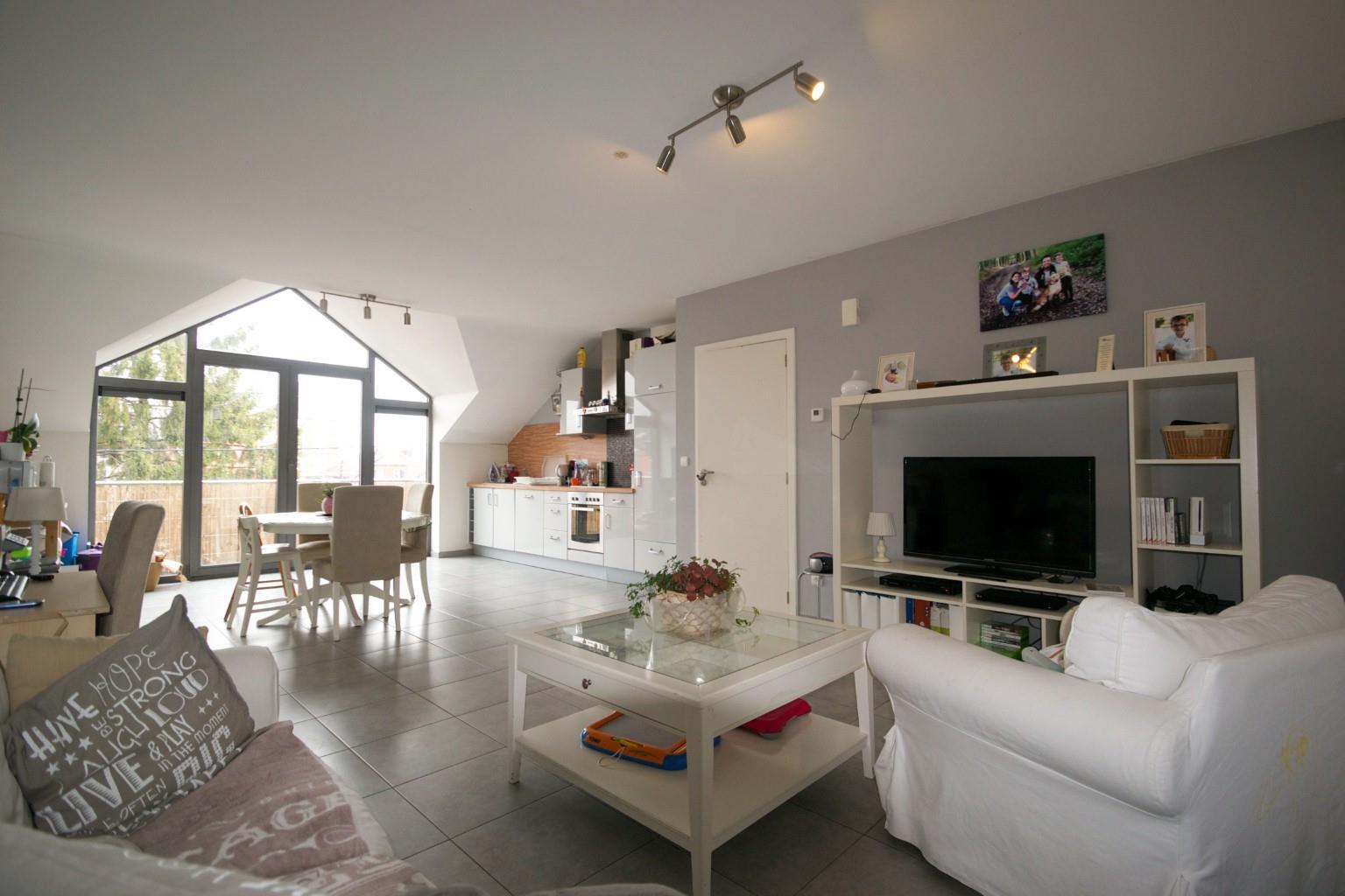 Appartement - La Louvière - #2048985-0