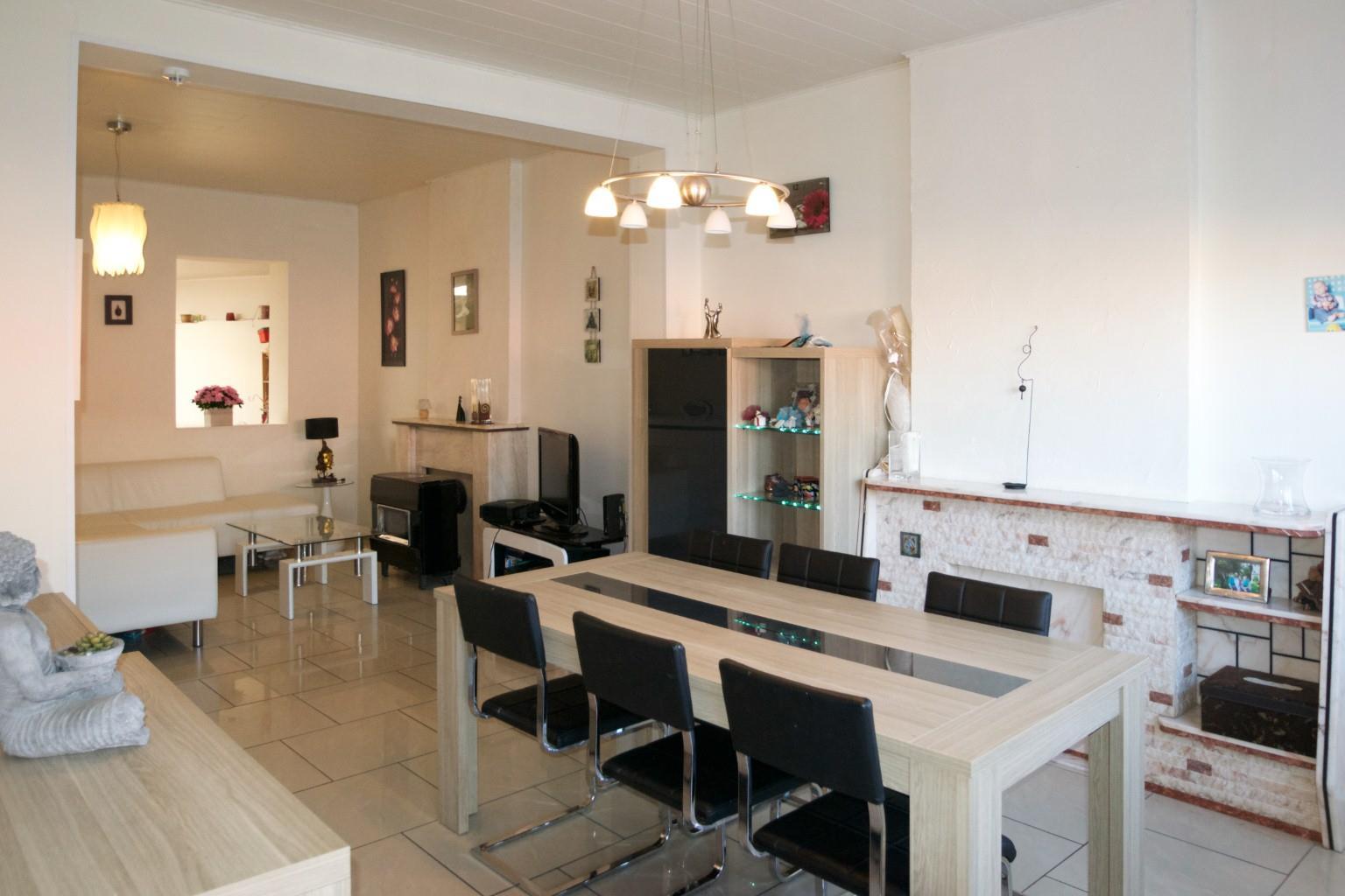 Maison - Fontaine-l'Evêque - #2341174-1