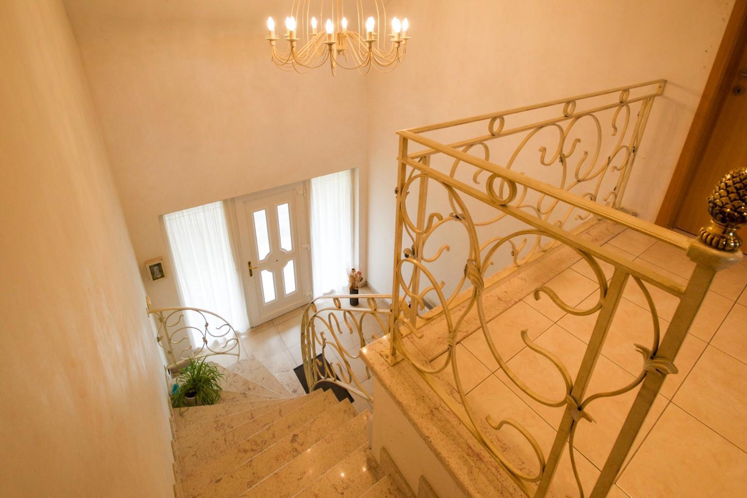 Maison - La Louvière Strépy-Bracquegnies - #2428803-9