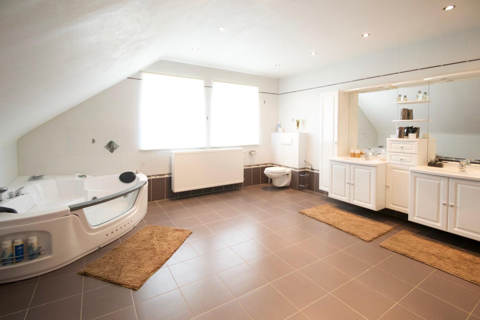 Maison - La Louvière Strépy-Bracquegnies - #2428803-12