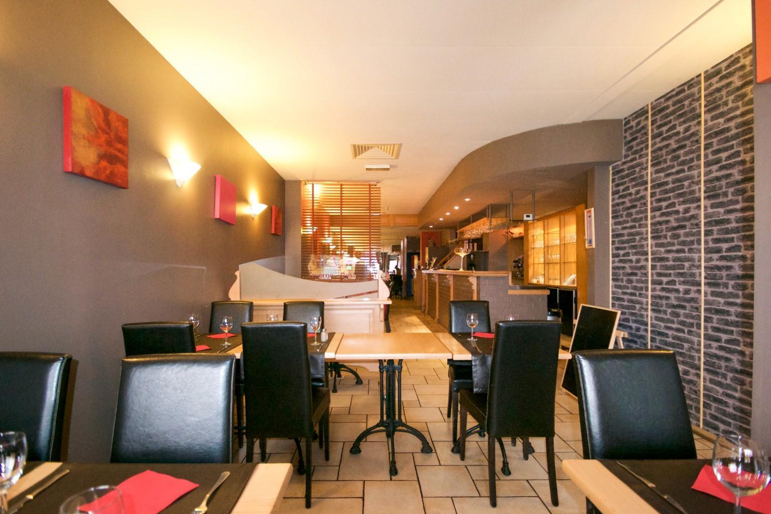 Immeuble mixte - Charleroi - #2592999-2