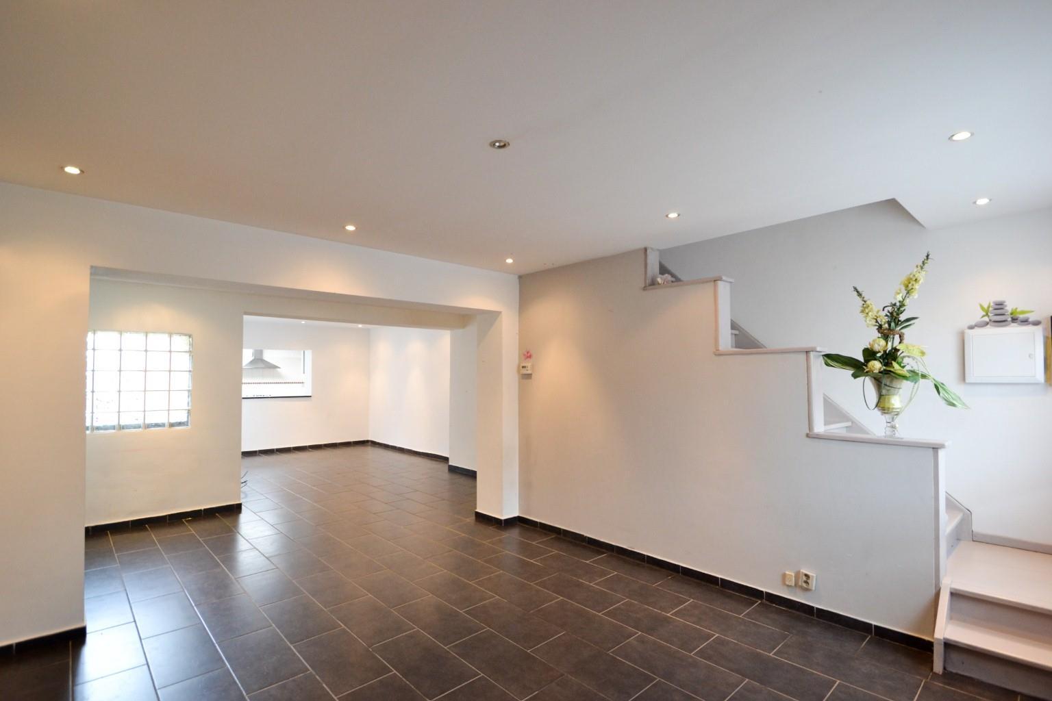 Maison - La Louvière - #2605903-1