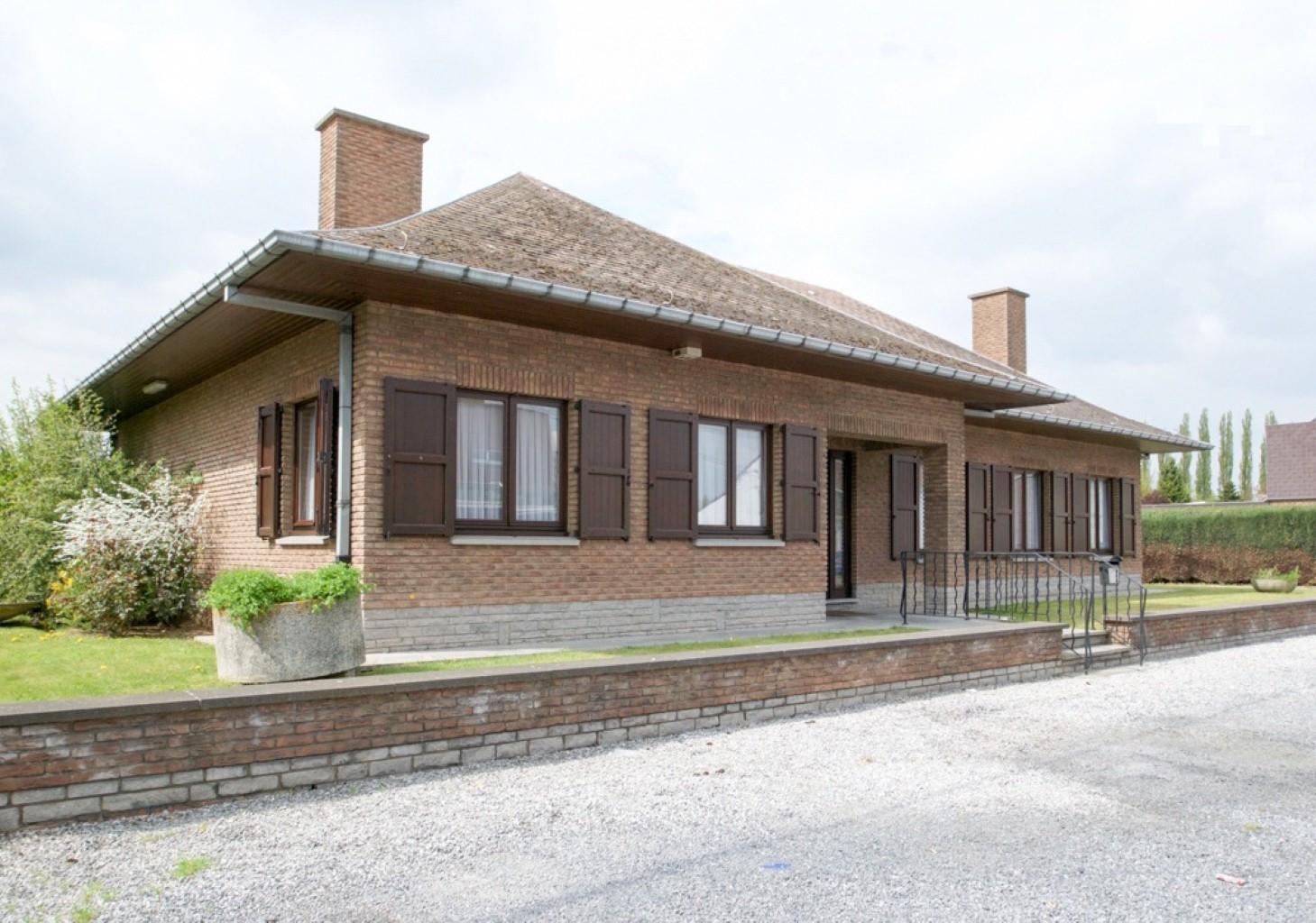 Villa - Anderlues - #3072252-0
