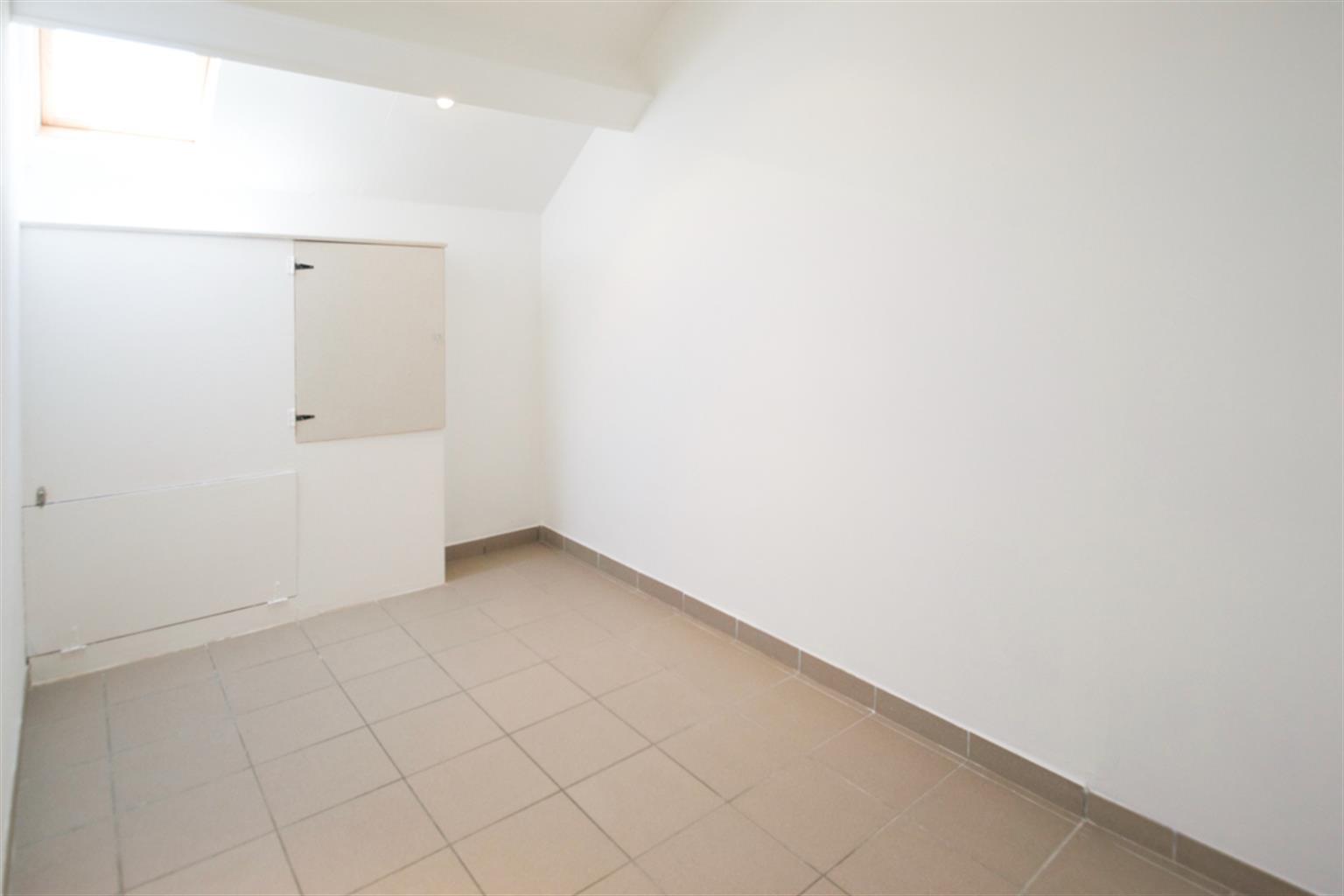 Appartement - Leval-Trahegnies - #3454438-5