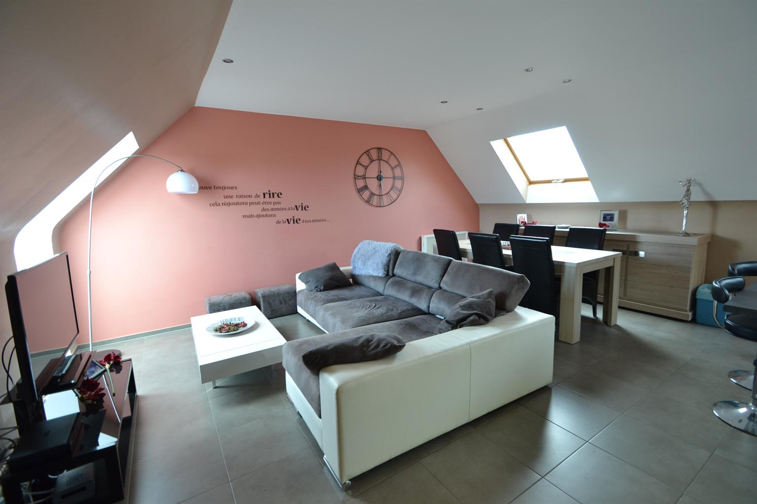 Appartement - Anderlues - #3516177-0