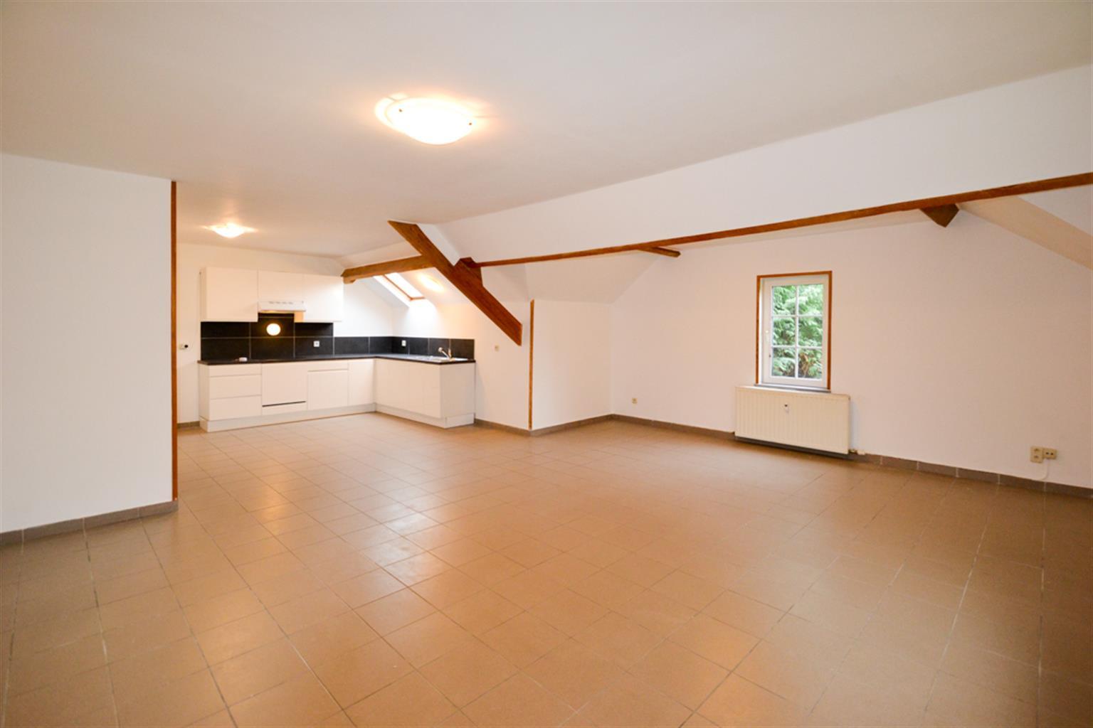 Appartement - Leval-Trahegnies - #3703787-0