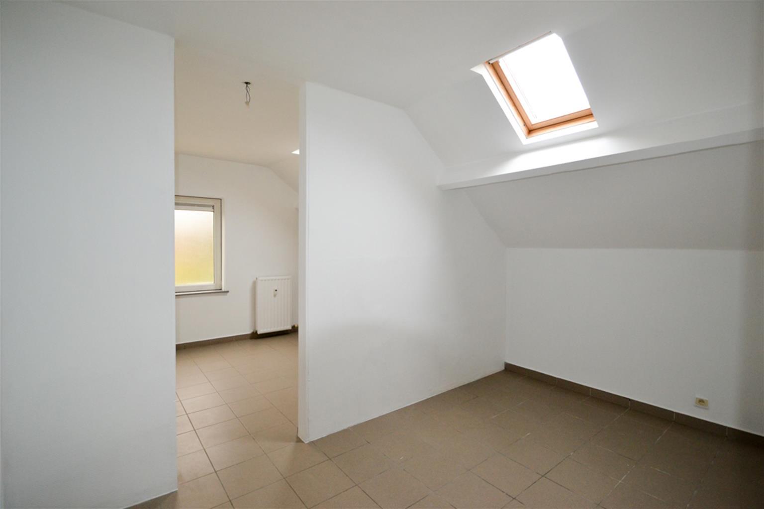 Appartement - Leval-Trahegnies - #3703787-3