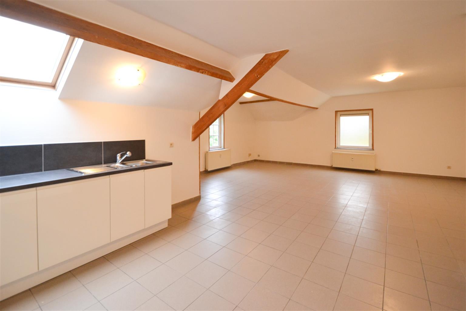 Appartement - Leval-Trahegnies - #3703787-2