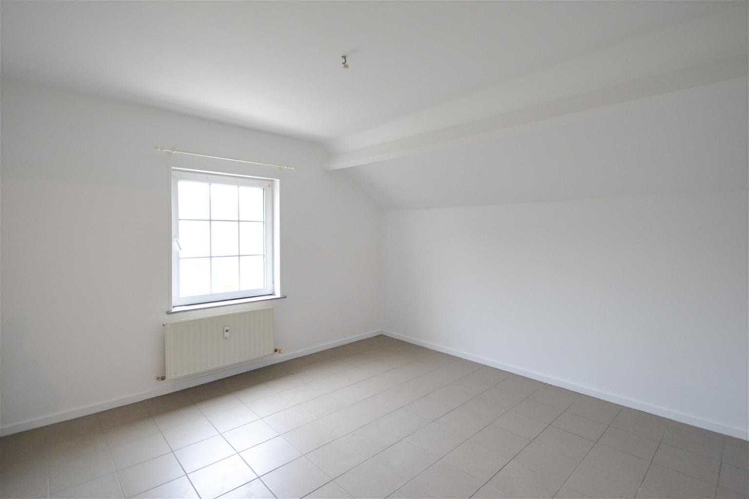 Appartement - Leval-Trahegnies - #3703788-3