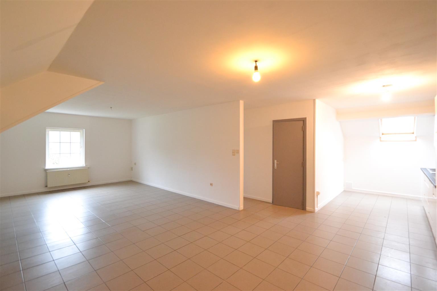 Appartement - Leval-Trahegnies - #3703788-0