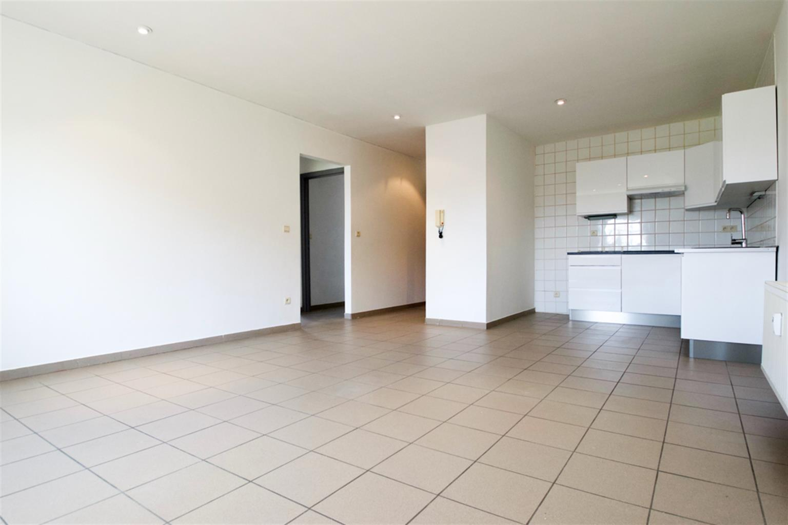 Appartement - Leval-Trahegnies - #3779559-1