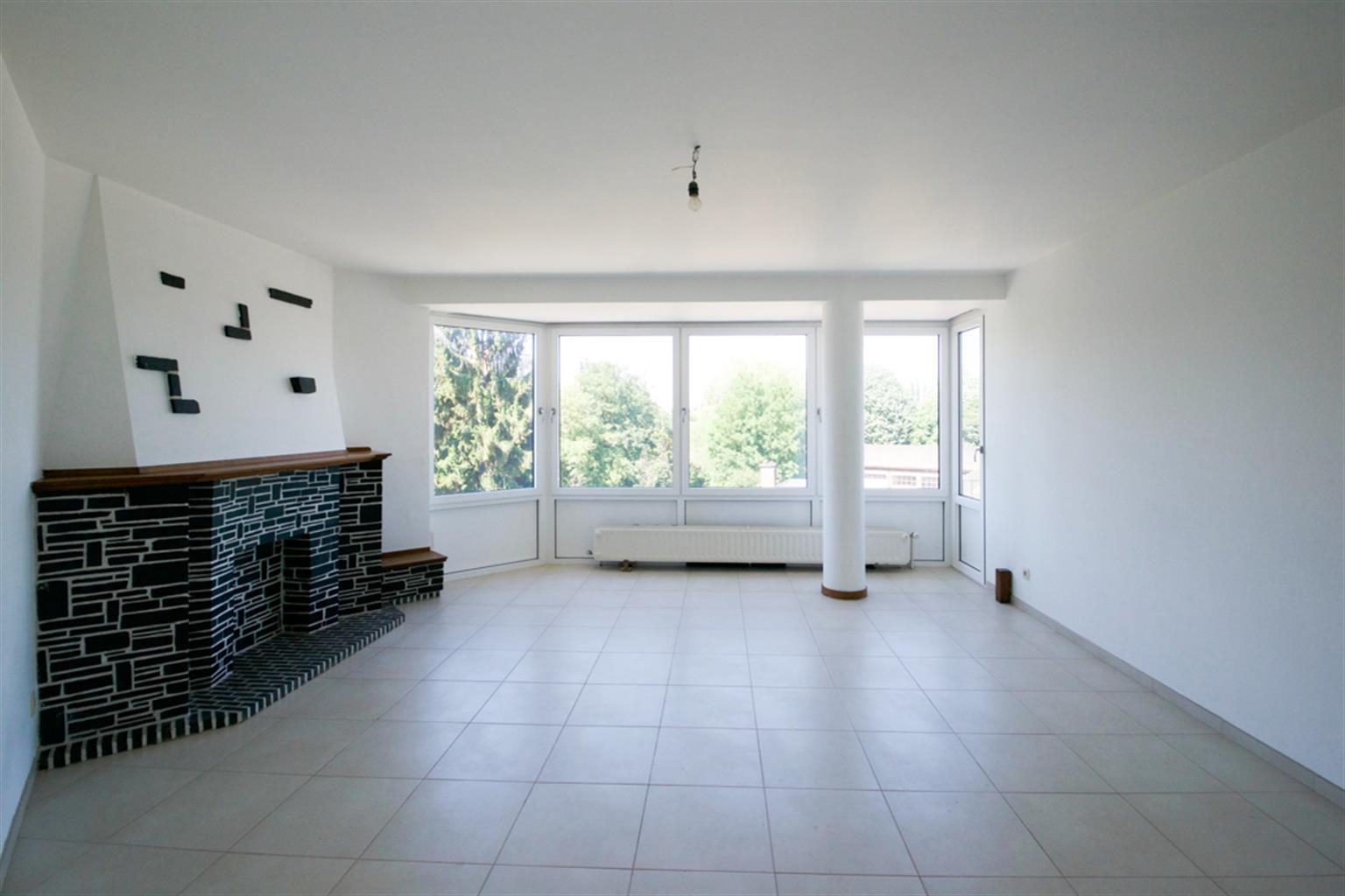 Appartement - Charleroi - #4041168-0