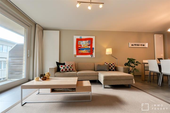 Spacieux appartement dans un immeuble récent, à quelques pas de la digue à Duinbergen.