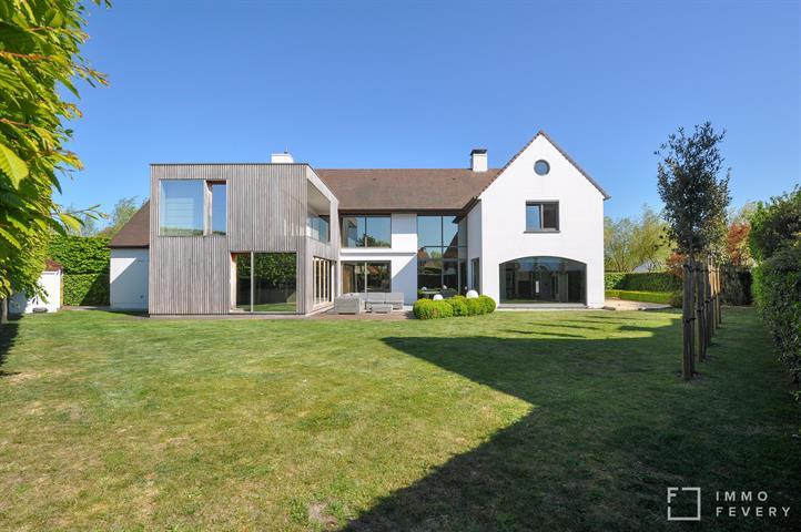Instapklare, moderne VILLA gelegen in een rustige, residentiële wijk te KNOKKE!