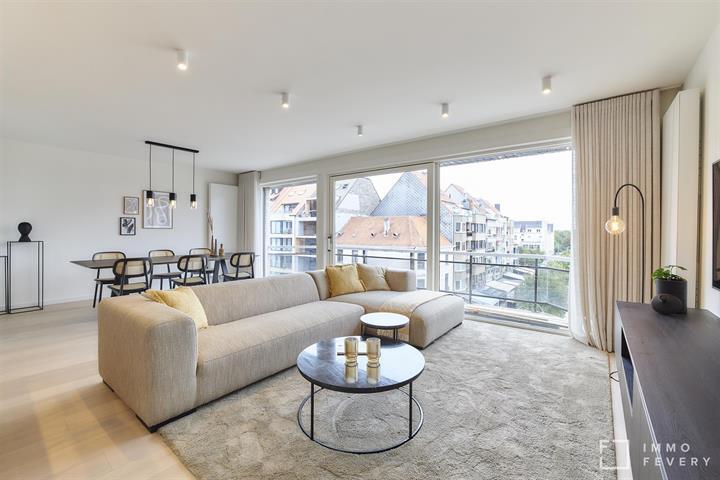 Appartement exceptionnellement spacieux, situé en plein centre avec vue dégagée !