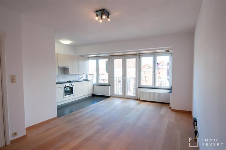 Vernieuwd appartement met 2 slaapkamers, pal in Knokke-Centrum!