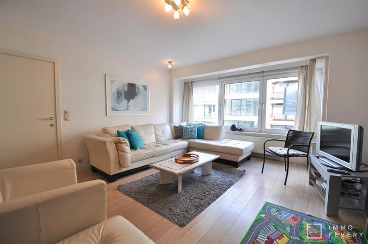 Appartement très spacieux sur la Parmentierlaan, à proximité de la Place Rubens et de la digue !