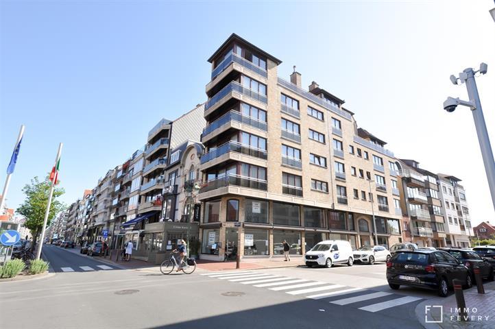 Lichtrijk hoekappartement op de Lippenslaan, centrum Knokke!