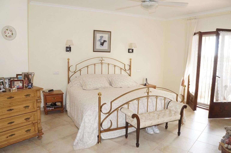Villa - Moreira - #2176949-15