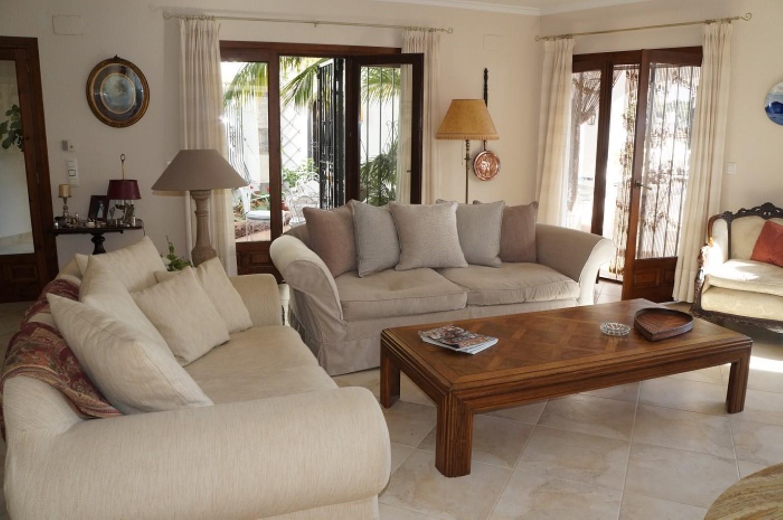 Villa - Moreira - #2176949-9