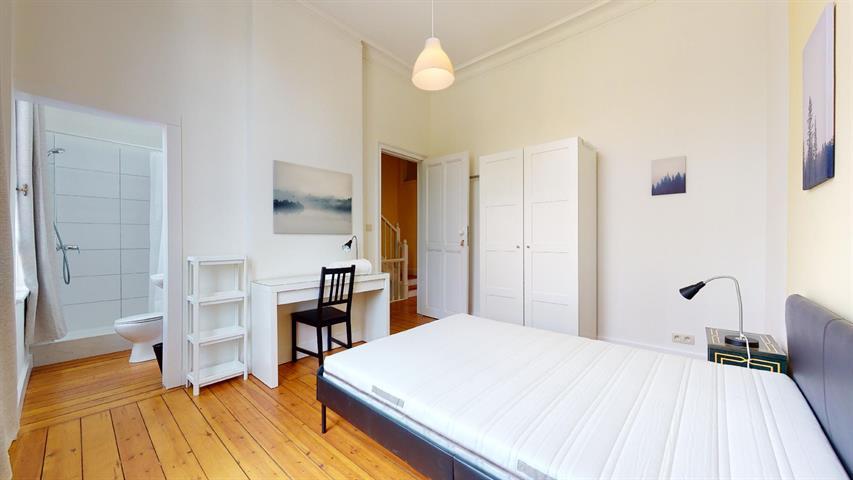 House - Etterbeek - #4394727-1