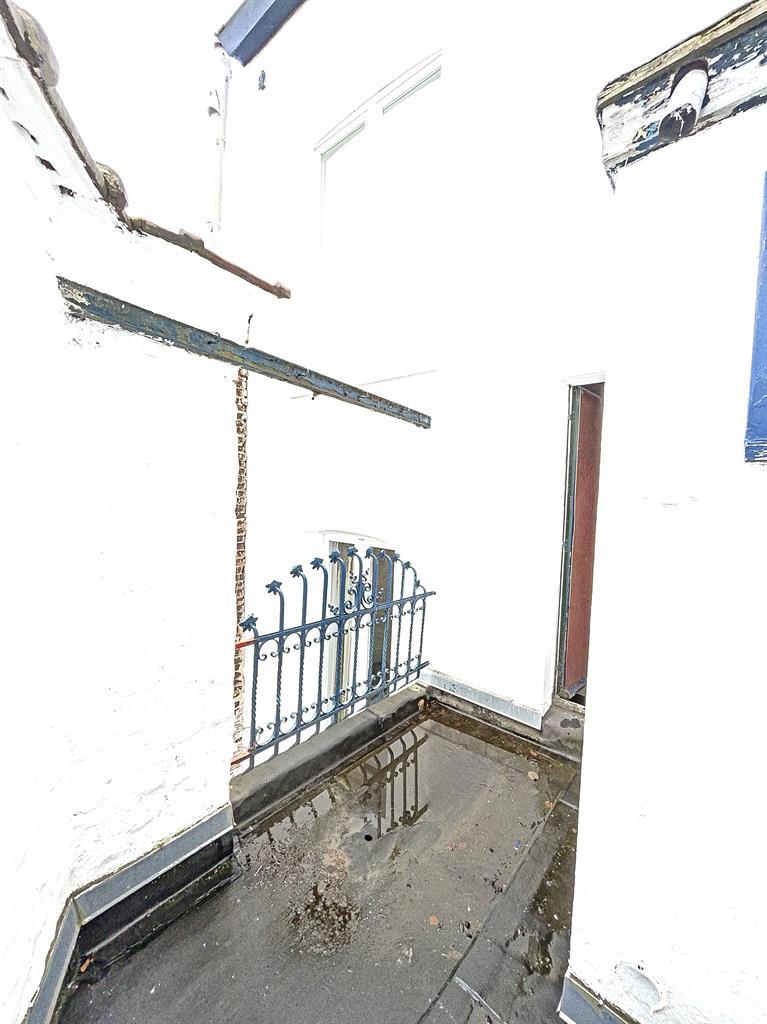 Immeuble à appartements - Etterbeek - #4240923-22