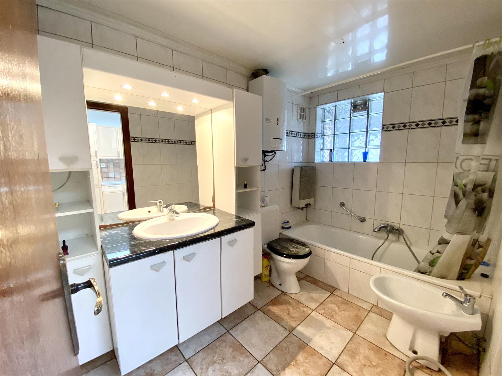 House - Jemeppe-sur-Meuse - #4312091-9