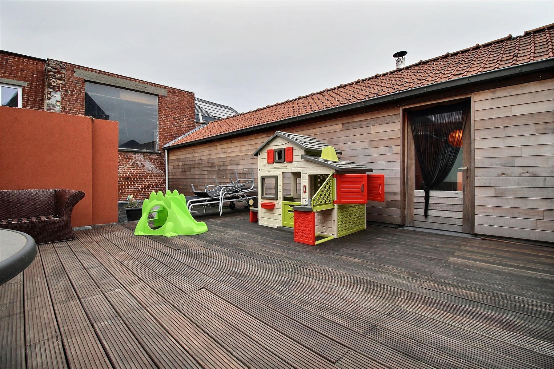 Loft + hangar à vendre à Dottignies