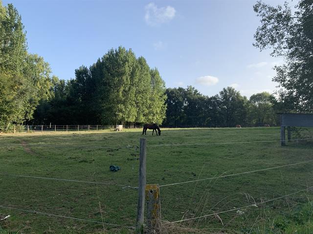 landbouw grond te Roosdaal