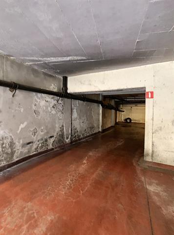 Parking intérieur - Namur - #4205548-2