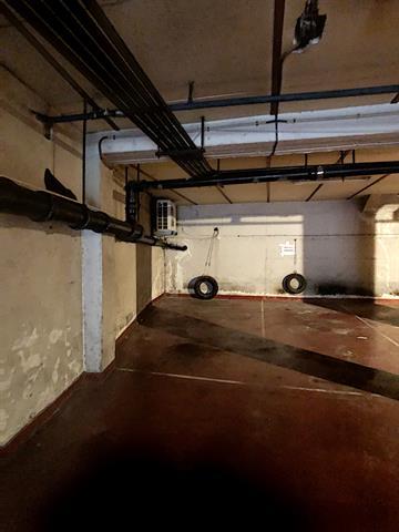 Parking intérieur - Namur - #4205548-1