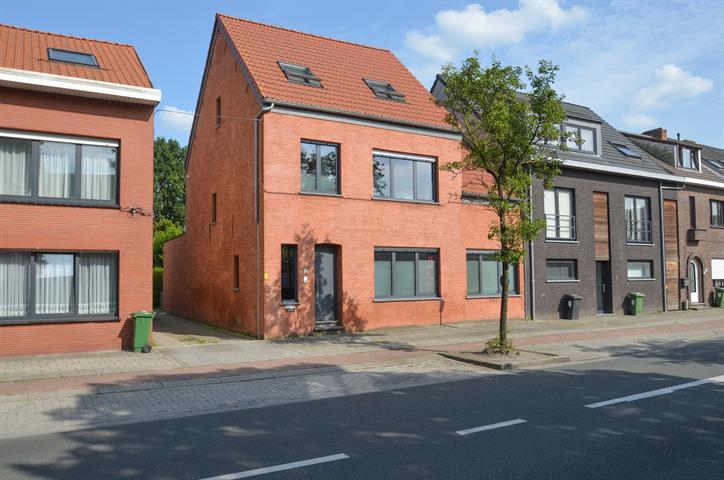 Te koop: gelijkvloerse verdieping te Kalmthout - Dorpsstraat 14