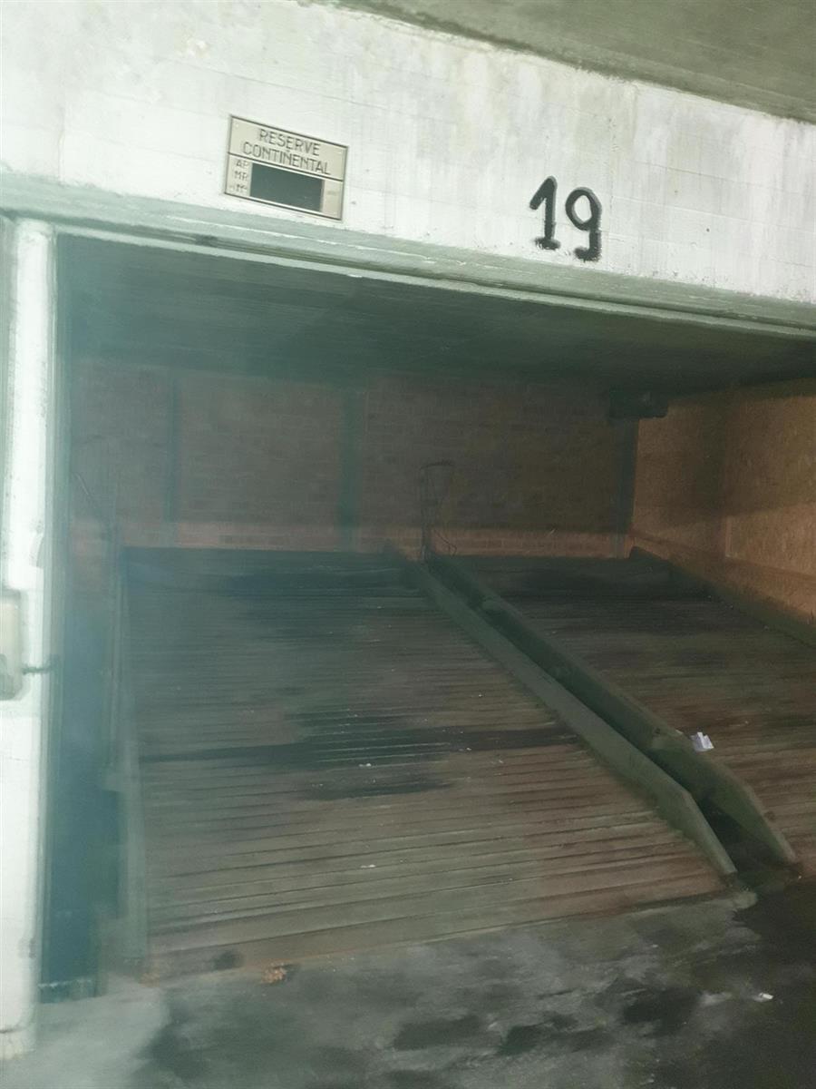 Inside parking - Ixelles - #4085655-0