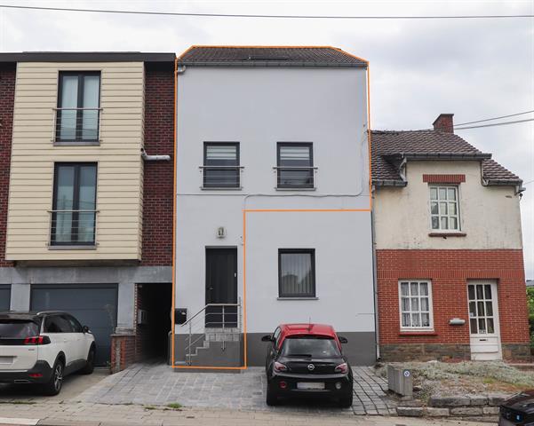 SOUS OPTION  Beau duplex de 2 chambres avec terrasse parking 1v