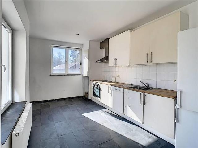 UCCLE - SAINT-JOB : Joli appartement 1ch + terrasse � vendre