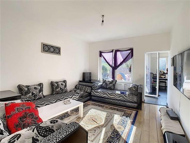 UCCLE - SAINT-JOB : Joli appt 1ch + bureau avec terrasse