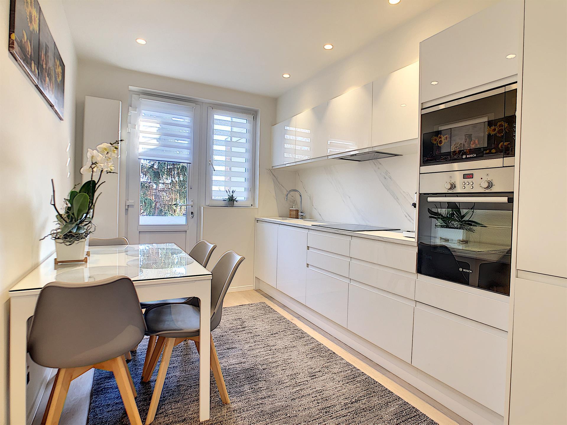 Appartement - Anderlecht - #4235855-1