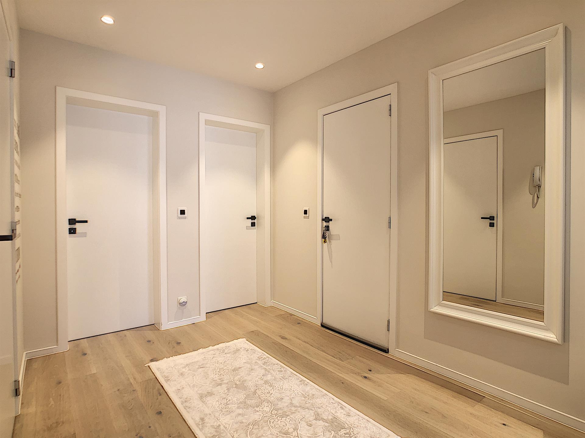 Appartement - Anderlecht - #4235855-2