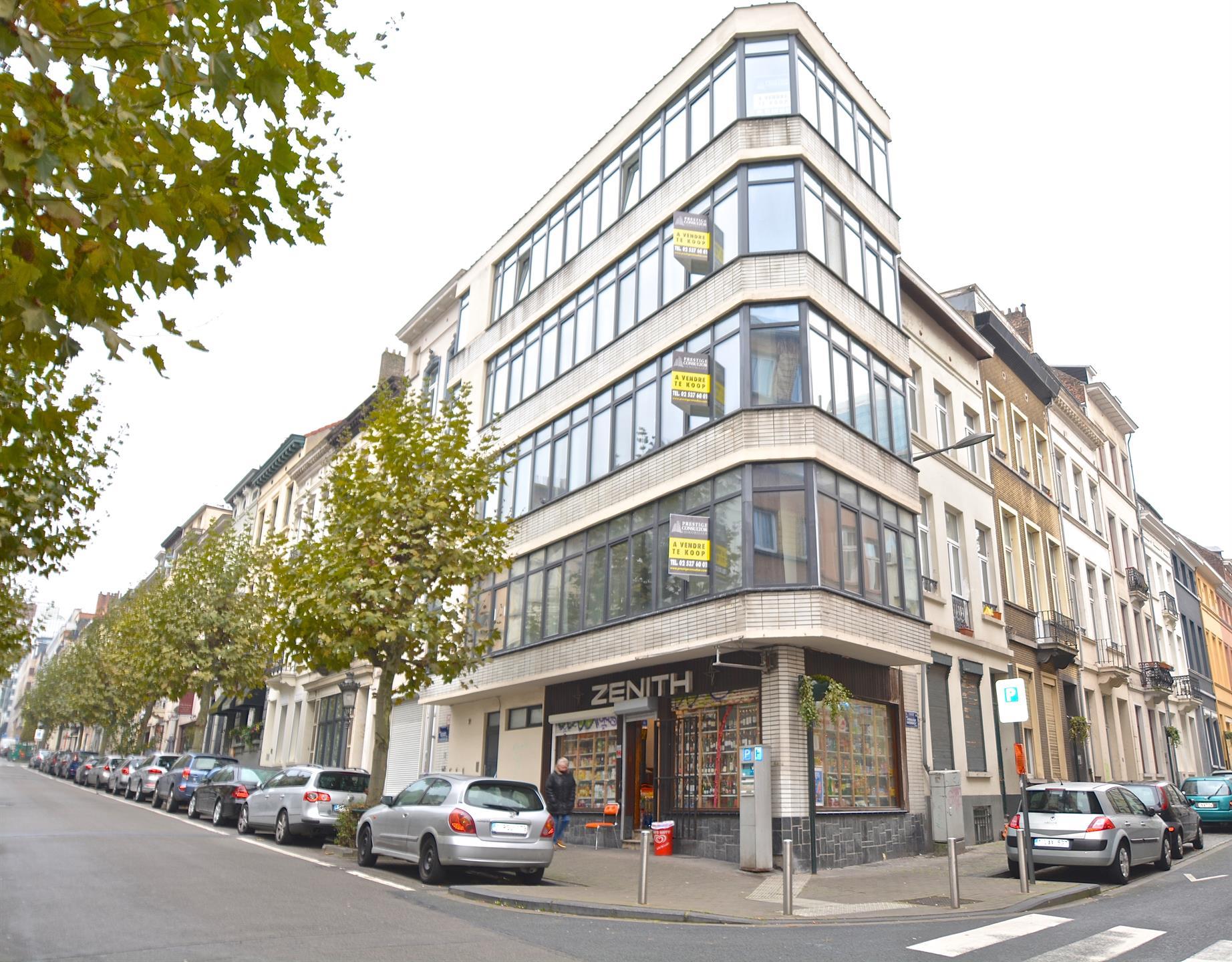 Commerce individuel - Saint-Josse-ten-Noode - #4244092-0