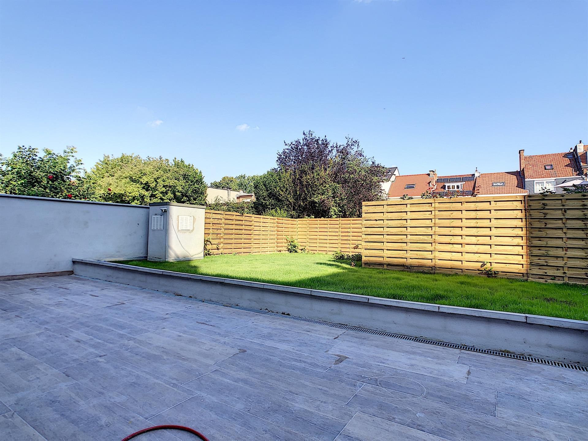 Rez-de-ch. avec jardin - Anderlecht - #4252387-0
