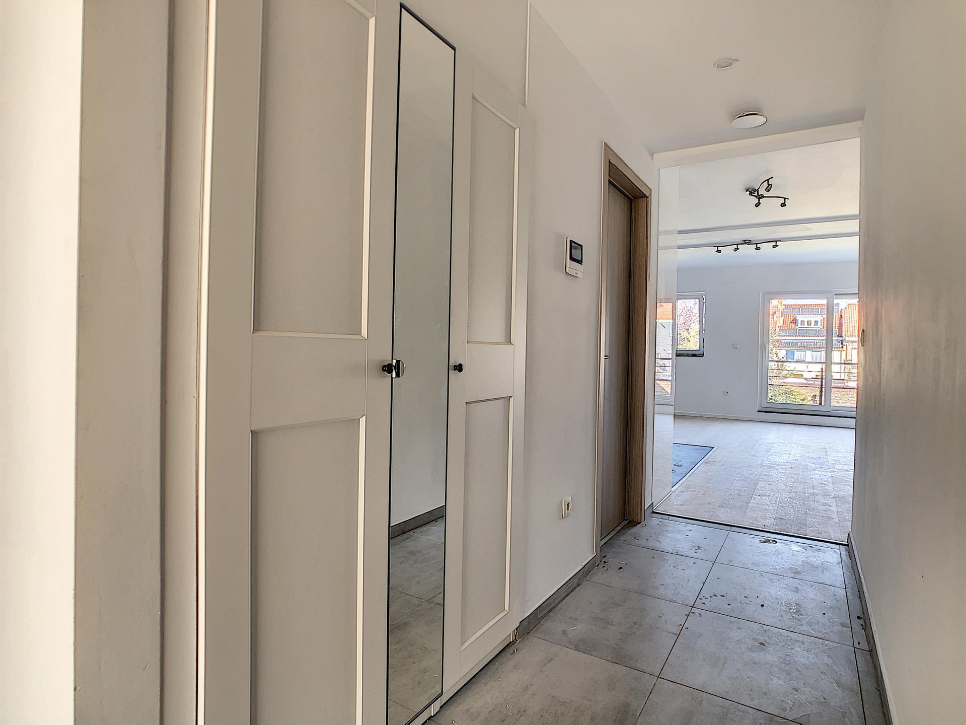 Appartement - Anderlecht - #4252388-9