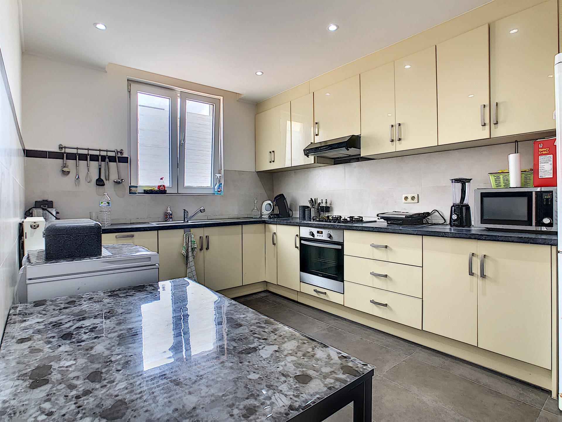 Appartement - Anderlecht - #4383503-0